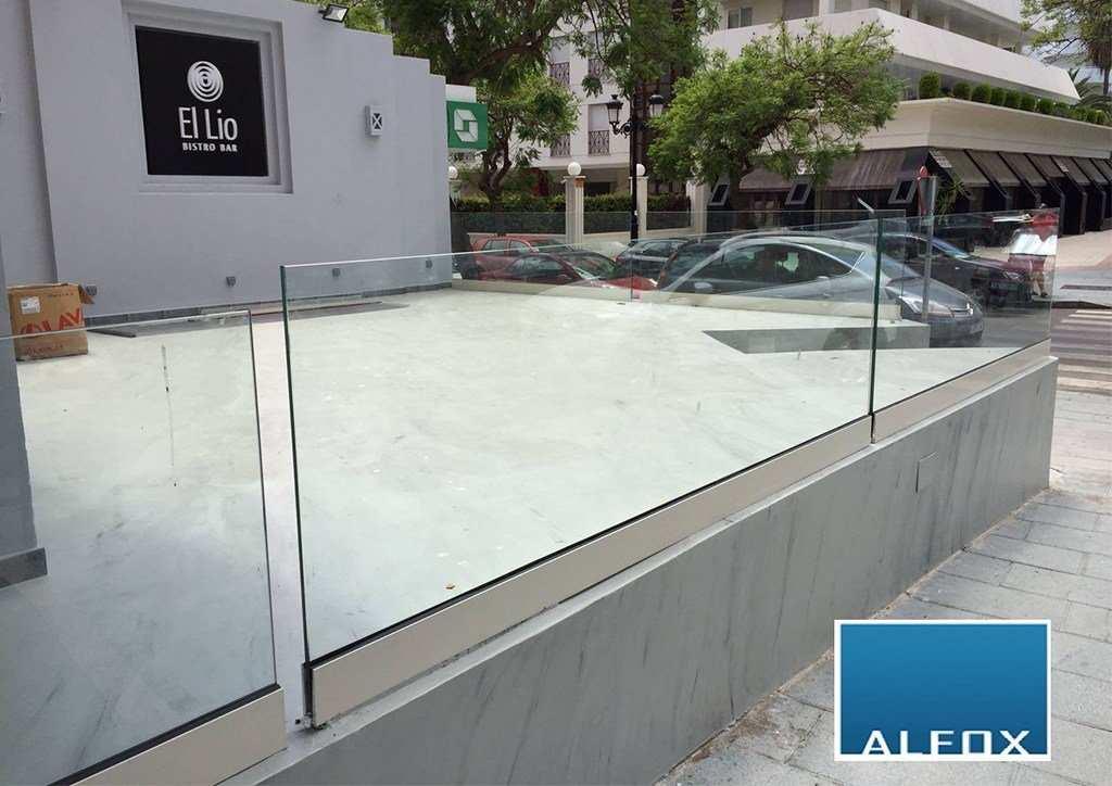 Barandillas de cristal terrazas barandilla de acero for Barandillas de cristal para terrazas